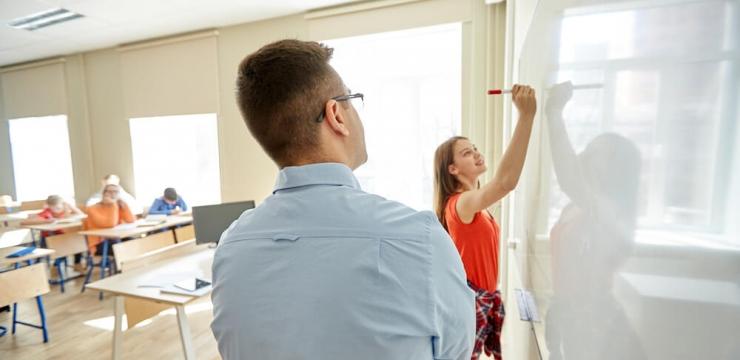 Monitoria em engenharia: 6 vantagens de ser monitor durante a faculdade